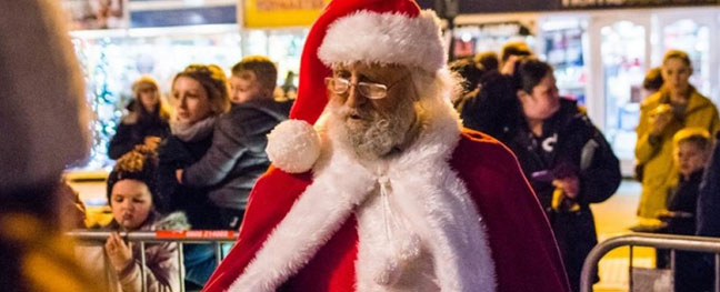the-father-christmas-parade-truro-the-alverton-hotel-things-to-do-in-november-cornwall
